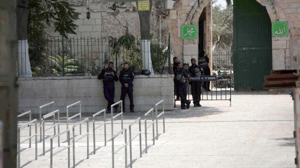 Израиль убирает металлоискатели сХрамовой горы