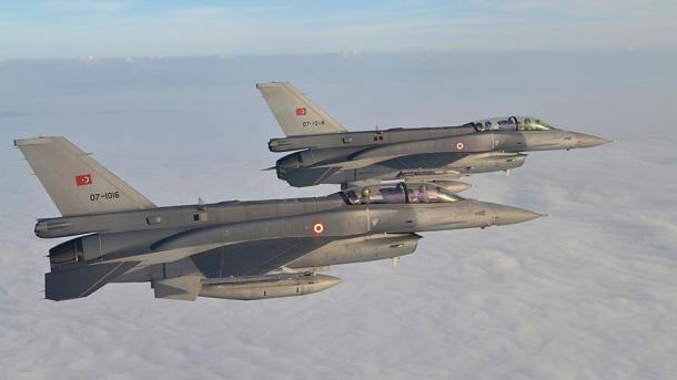 Türkische Luftwaffe greift PKK-Kämpfer an