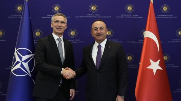 Çavusoglu: Turqia është kundër ndasisë në luftën kundër terrorit | TRT  Shqip