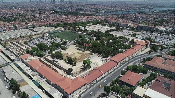 Turquie : Une caserne ottomane transformée en bibliothèque moderne