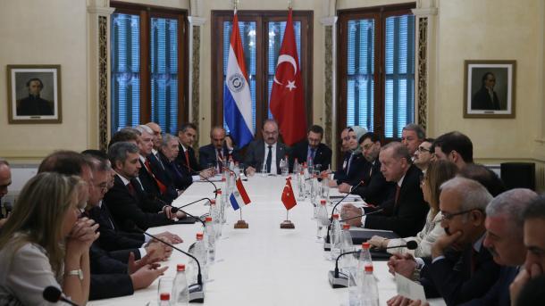 Presidenti Erdogan pritet në Asuncion nga Presidenti i Paraguait | TRT  Shqip