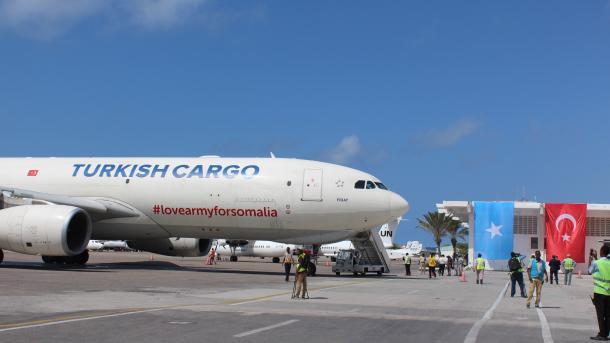 Uspješna humanitarna kampanja: Turkish Airlines dopremio 65 tona hrane za bebe u Somaliji