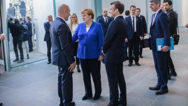 Dështon Samiti i Parisit, akuza Haradinajt edhe për takimin e fshehtë në Berlin | TRT  Shqip