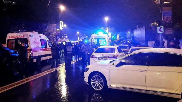 39 të vdekur nga sulmi terrorist në një klub nate në Stamboll