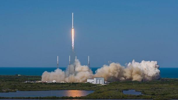 SpaceX впервый раз после катастрофы благополучно запустила ракету Falcon 9