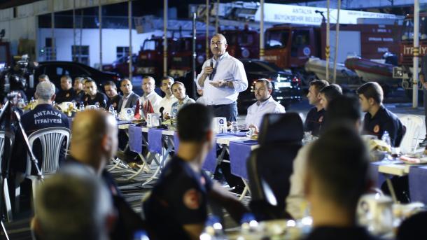 Çavusoglu: Nëse sot nuk i spastrojmë terroristët nga Kandili, nesër kthehen në kërcënim ndaj nesh | TRT  Shqip