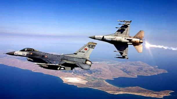 Aviones de caza turcos atacan los puestos del PKK en el norte de Irak