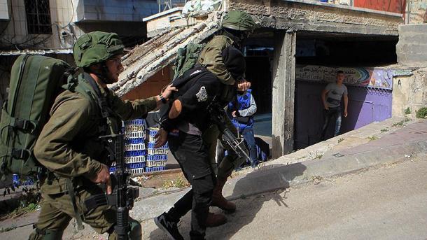 Ushtria izraelite arrestoi 8 palestinezë | TRT  Shqip