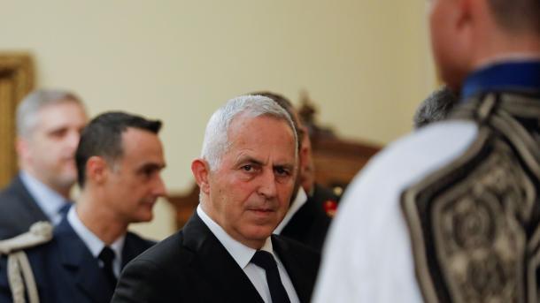 Greqi – Admirali Evangelos Apostolakis fillon zyrtarisht detyrën e ministrit të Mbrojtjes | TRT  Shqip