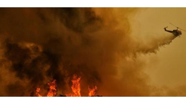 ShBA - Kalifornia kaplohet nga zjarret e pyjeve, arrestohet zjarrvënësi | TRT  Shqip