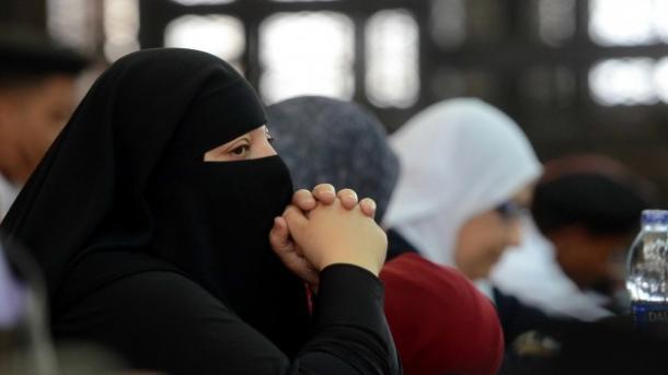 Une danoise niqabée renvoyée en Tunisie — Aéroport Bruxelles