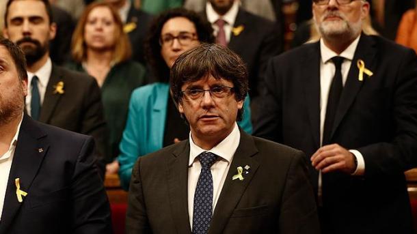 Catalogne : Carles Puigdemont respectera le résultat des élections organisées par Madrid