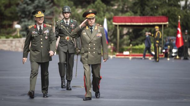 Le chef d'Etat-major russe en visite à Ankara