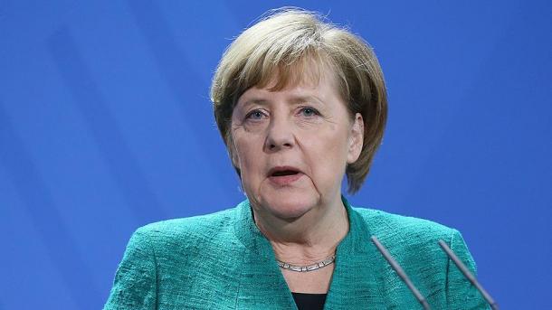 Merkel verteidigt Verlust des Finanzressorts