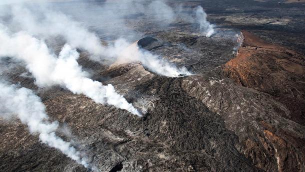 Evacuación en Hawai por la erupción del volcán Kilauea — Impactantes imágenes