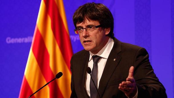 Puigdemont nën presion të madh mbi shpalljen e pavarësisë së Katalonjës | TRT  Shqip