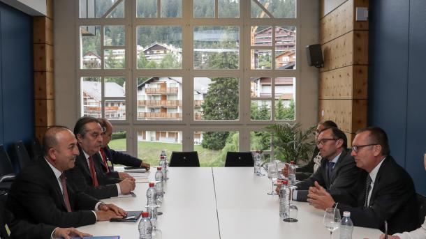 Zvicra mirëpret sërish negociatat e Qipros | TRT  Shqip