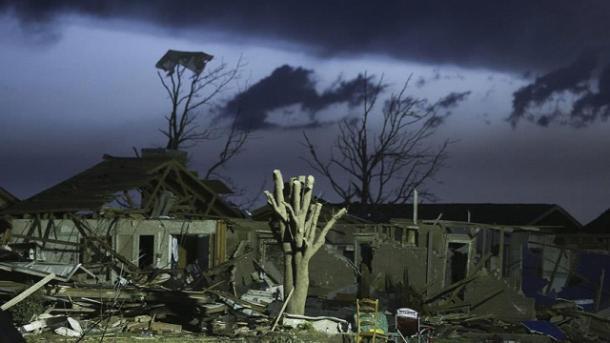 Sube cifra de muertos por tornados en el sureste del país