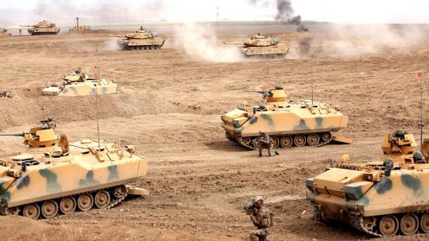 Руководитель  МИД Турции: РФ  иИран должны остановить наступлении армии Сирии