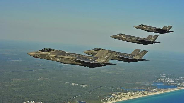 Japan kauft Kampfflugzeuge | TRT  Deutsch