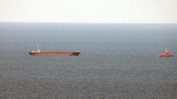 Un buque de carga naufraga en el mar Negro