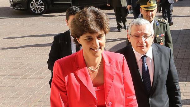 La ministra de Defensa de Francia dejará el Gobierno al ser investigada