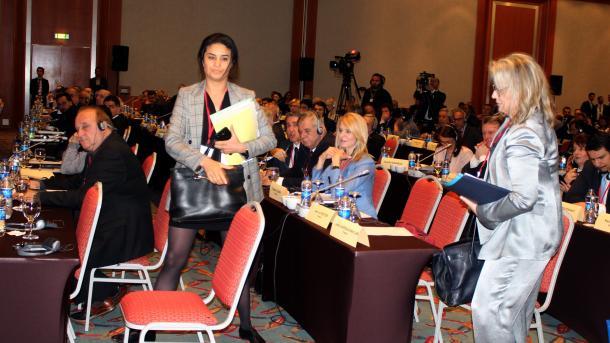Turqia: Franca nuk mund të na japë leksione për gjenocidin e historinë   TRT  Shqip