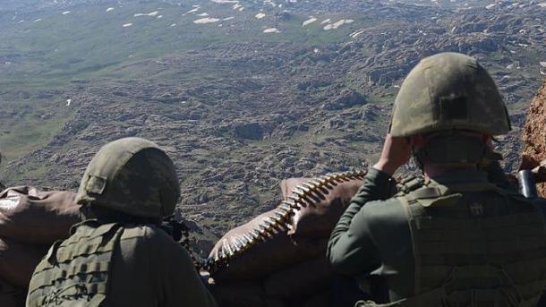 Турция примет меры всвязи споставками США оружия курдам вСирии