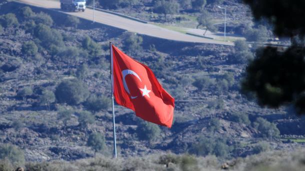 Once militares turcos muertos en Siria