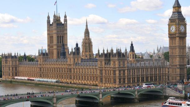 Έκκληση βρετανών βουλευτών στις Μουσουλμάνες γυναίκες