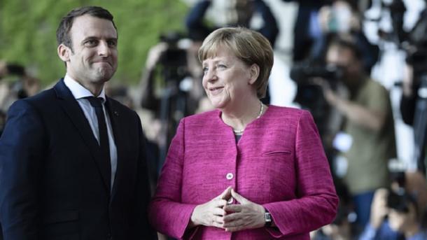 Меркель навстрече сМакроном сообщила о«критических временах дляЕС»