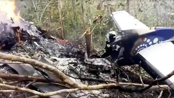 Një avion iranian pasagjerësh rrëzohet në Iran | TRT  Shqip