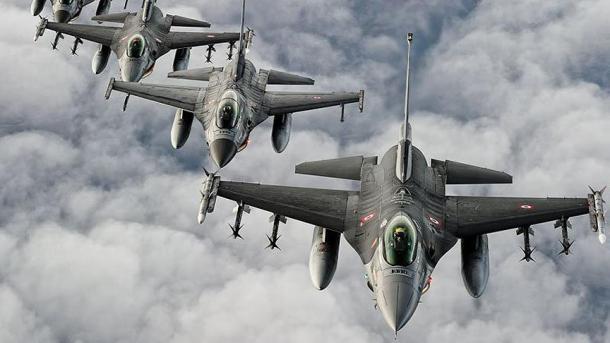 Ushtria turke goditi objektivat e PKK-së në Veri të Irakut | TRT  Shqip