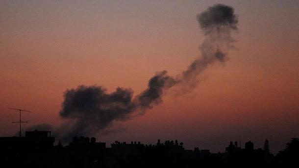Forcat Ajrore izraelite sulmojnë kufirin lindor të Rripit të Gazës   TRT  Shqip