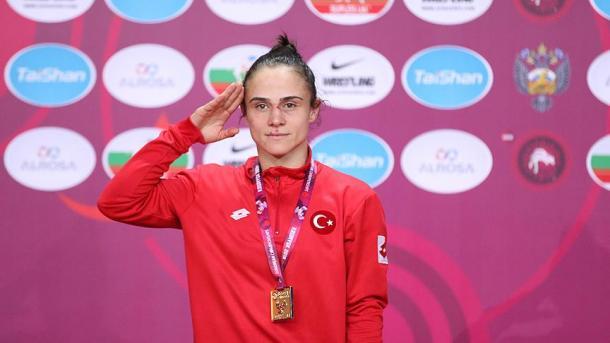 土耳其女摔跤手在欧洲锦标赛中夺得金牌 | 三昻体育投注