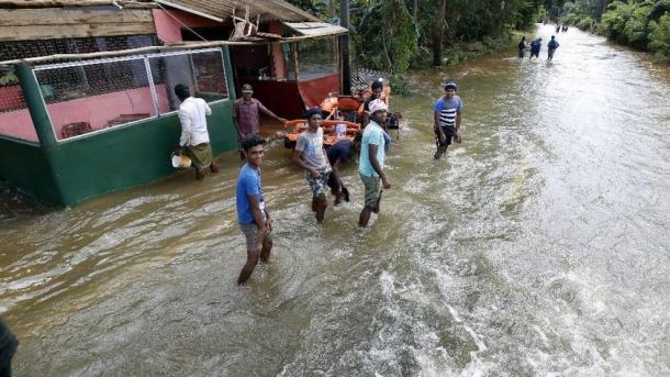 37 muertos por inundaciones y deslizamientos — Vietnam