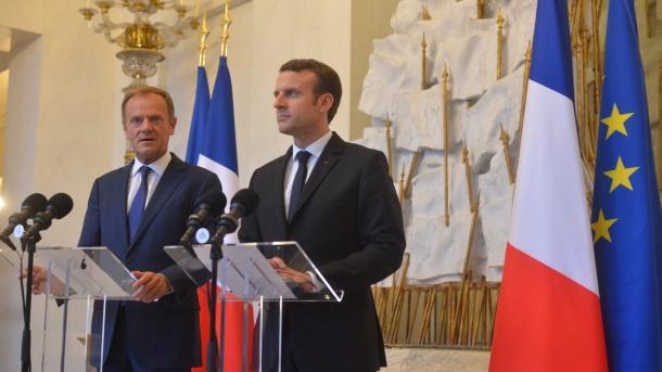 Macron anuncia su primer gabinete con fuerte presencia femenina