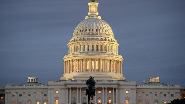 Американский сенат достиг согласия попродлению снобжения деньгами руководства
