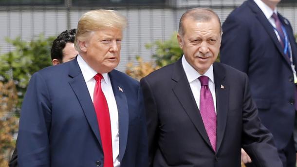 Erdogan dhe Trump konfimojnë vendosmërinë e tyre për zhvillimin e marrëdhënieve mes dy vendeve   TRT  Shqip