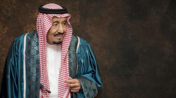 Стрельба ивзрывы слышны врайоне резиденции короля Саудовской Аравии,