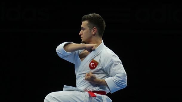 土耳其运动员荣获空手道比赛冠军 埃尔多安致电祝贺   三昻体育