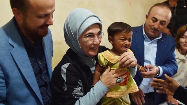 Emine Erdogan vlerësohet me çmim ndërkombëtar për kontributin në ndihmat humanitare | TRT  Shqip