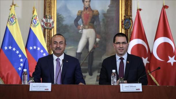 Venezuela y Turquía firman acuerdos para
