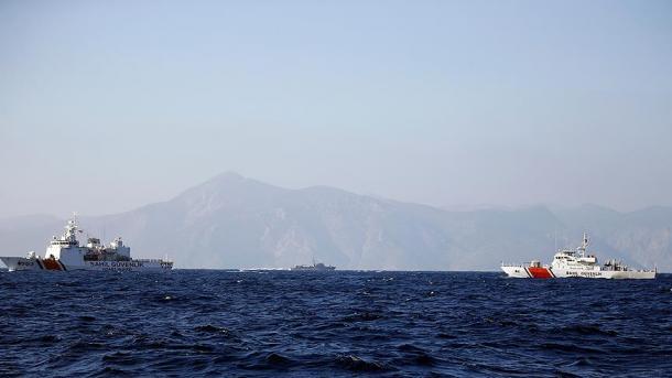 Anijet turke nuk lejojnë afrimin e ministrit grek në Ishullin Kardak | TRT  Shqip