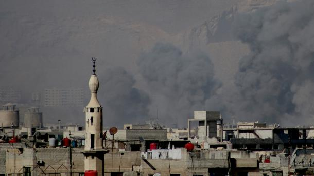 Siri - 20 civilë të vrarë në sulmet ajrore në Gutën Lindore   TRT  Shqip
