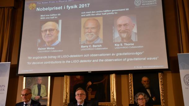 Tre shkencëtarë fitojnë Çmimin Nobel për fizikë | TRT  Shqip