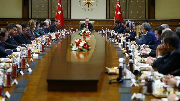 Мирзиёев иЭрдоган продолжили переговоры врасширенном составе