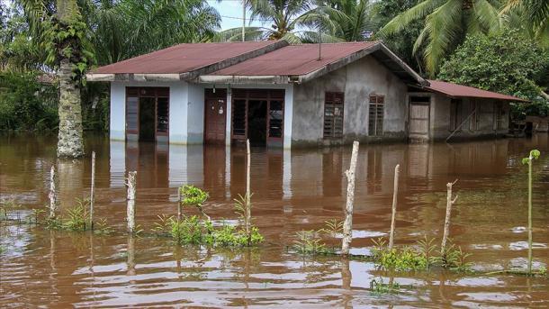 Sërish të reshura dhe tronditje nga tërmeti në Indonezi   TRT  Shqip
