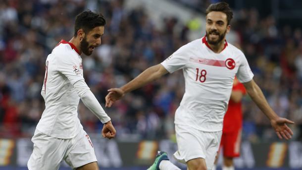 世界杯热身赛:土耳其-俄罗斯1比1   三昻体育投注