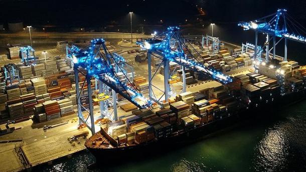 Eksporti i Turqisë në muajin gusht ishte 12 miliardë e 389 milionë dollarë | TRT  Shqip